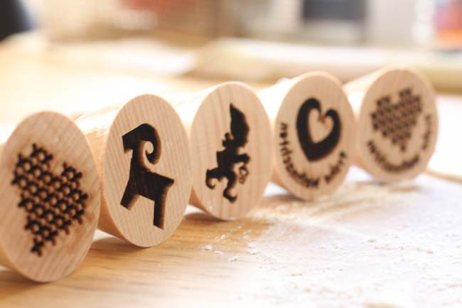 Cool kitchen gadgets - Engraved Cookie Stamp