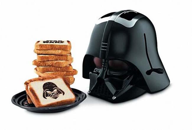 Cool kitchen gadgets - Star Wars Darth Vader Mask Toaster