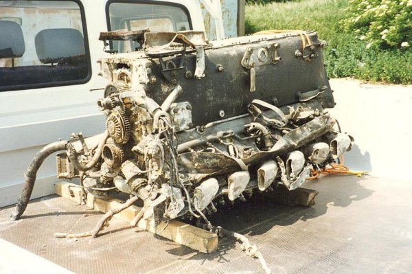 002840029-db-engine-me-109-uffz-wollmann-recovered-from-russia