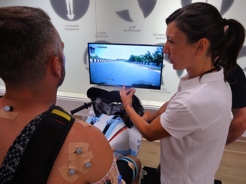 THE INSTITUT CATALÀ DEL PEU CONDUCTS AN ANALYSIS OF THE SPORTING PERFORMANCE TO THE RIDER XAVIER SIMEON.