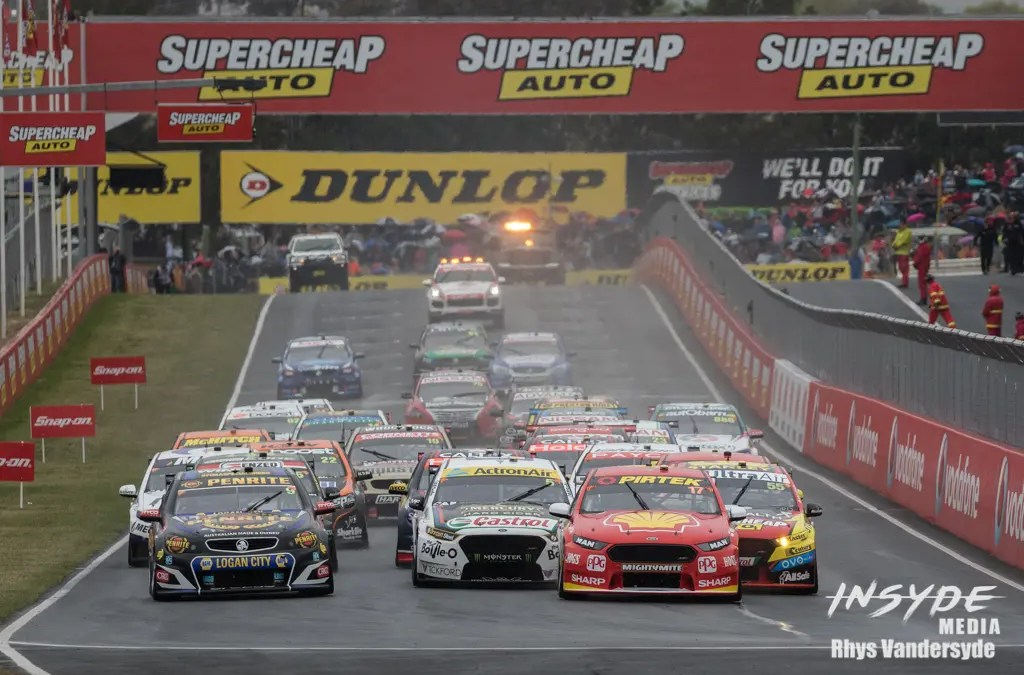 Photo Gallery: Supercars Bathurst 1000