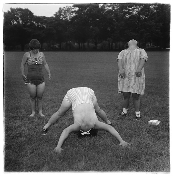 Ohne Titel (6) 1970–71   © The Estate of Diane Arbus