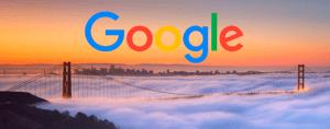 Google sobre puente cubierto por la niebla
