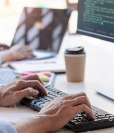 Volta aos escritórios: como aumentar a segurança digital na era do trabalho híbrido