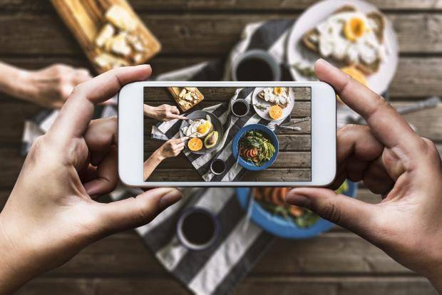 How to Use Social Media Boost Your Restaurant Business