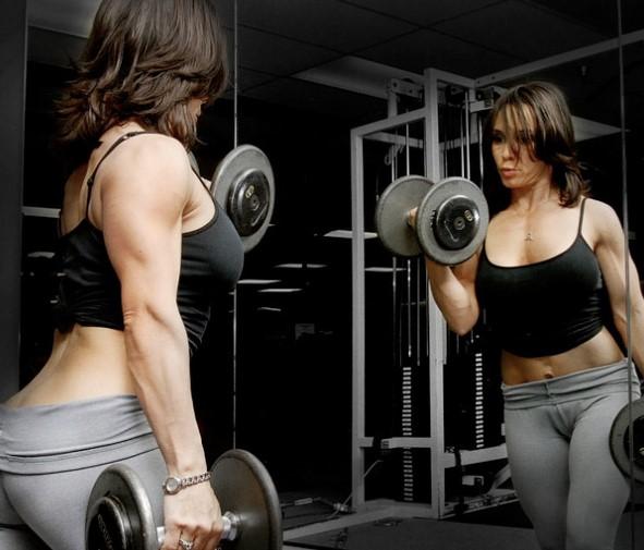 dumbbell-women-workout