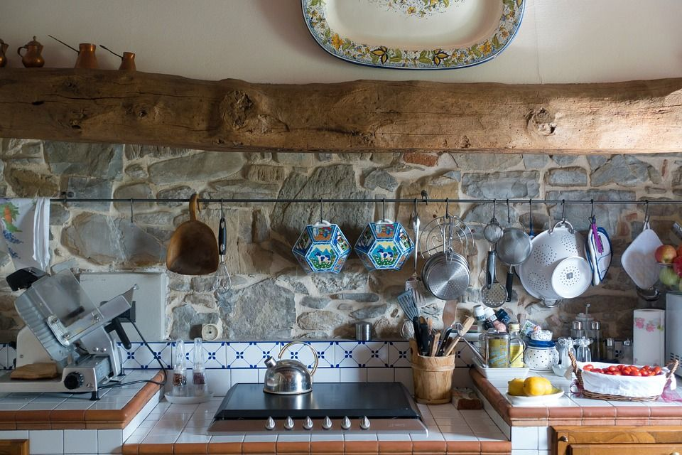 Los espacios de almacenamiento en la cocina.
