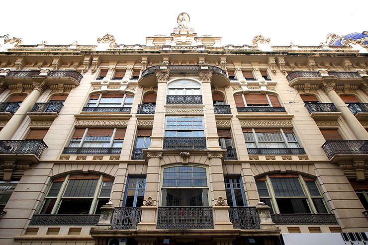 Fachada principal de la Casa Cabot Jubany en Albacete.