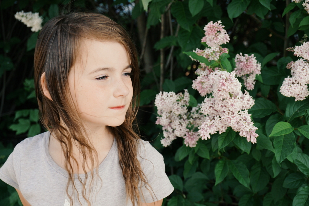 A great list of chapter books for young pre-teen and young teen girls with inspiring, strong and positive characters