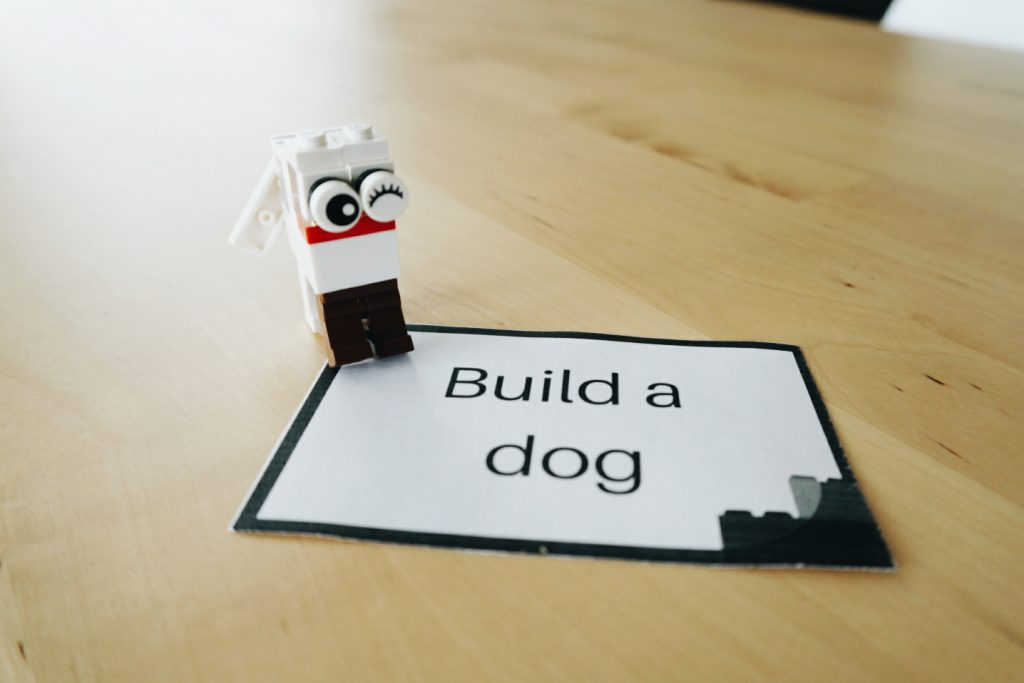 Free printable Lego challenge cards - a great STEM activity!