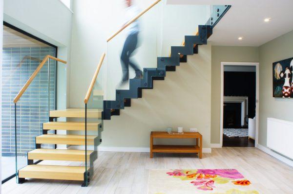 Scala a giorno su misura posata a Londra per una residenza privata, con la collaborazione dell'azienda inglese Complete Stair System di Nick Rackham.