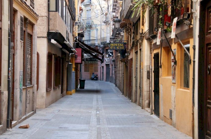 """Los hosteleros valencianos califican de """"mazazo"""" la decisión del Gobierno"""