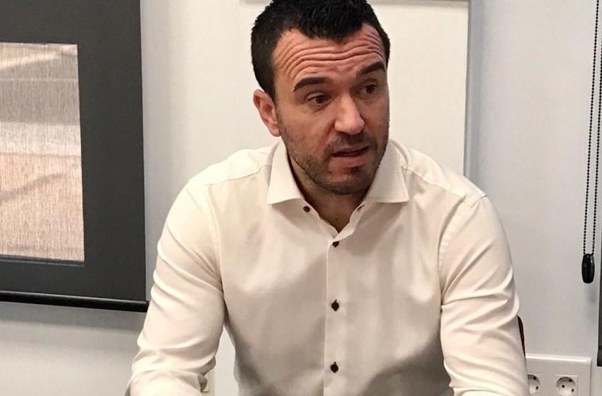 Mompó denuncia que la Generalitat niegue a los docentes pruebas PCR mientras la Diputación las autoriza para su personal educativo