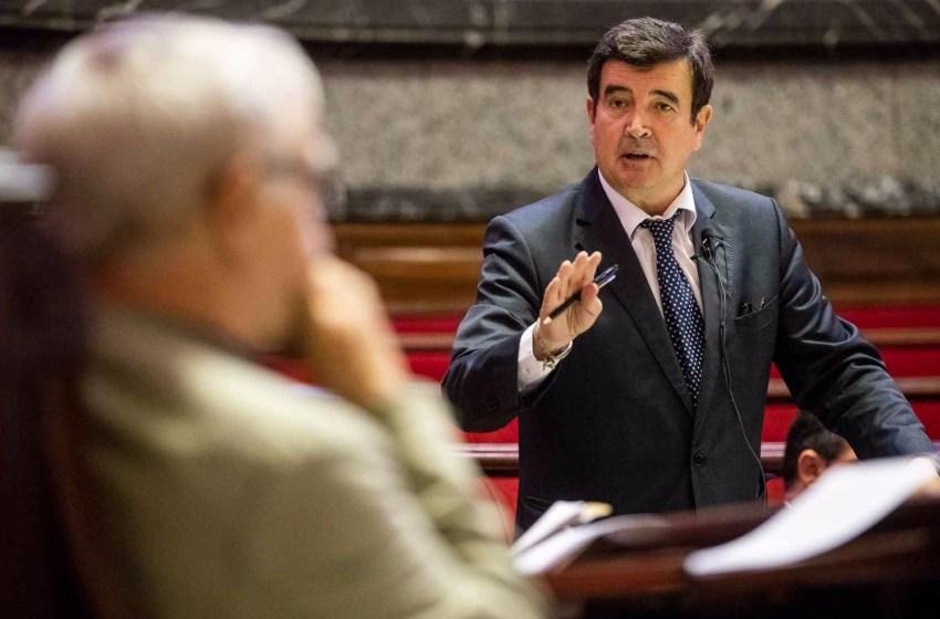 Giner exige a Ribo que el nuevo organismo de La Marina tenga fecha de caducidad y las zonas pasen competencia municipal cuando se extinga