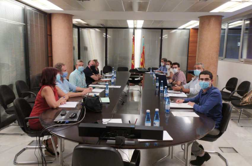 """60 días de huelga. Los MIR critican la falsa negociación con Conselleria """"Nos han convocado porque les hemos denunciado""""."""
