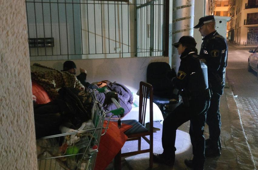 La Policía Local de València atiende a 111 personas por frío en los últimos diez días