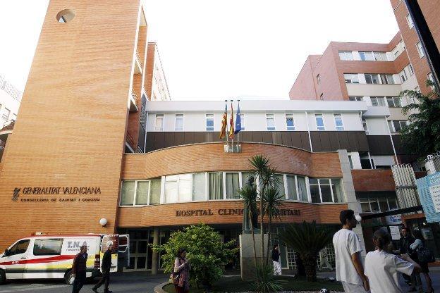 CSIF alerta de la saturación de los quirófanos en el hospital Clínico de Valencia y advierte de su escasez para urgencias