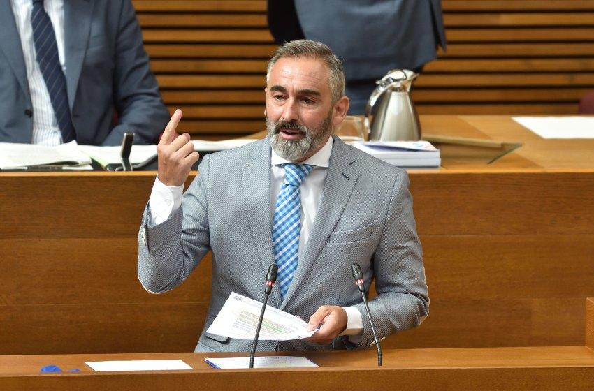 """Barrachina: """"La actitud de Compromís y Podemos con la ampliación del Puerto es un delito de lesa patria contra la Comunitat Valenciana"""""""