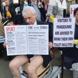 Pangbourne-Toilet-Closure-protest public toilet
