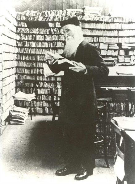 Murray in the Scriptorium at Banbury Road, before 1910 at work on the Oxford English Dictionary