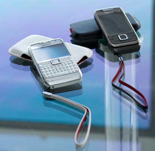 Nokia E71 e E66: linha corporativa