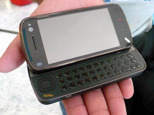 N97 com teclado QWERTY aberto