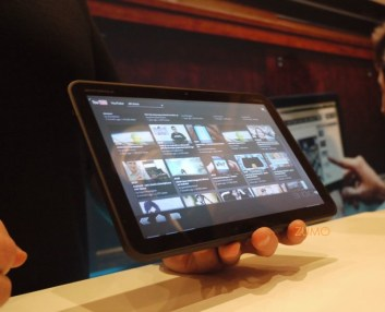 motorola-xoom-tablet-03