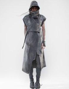 Model wearing Demobaza - Vest Coat Reunion