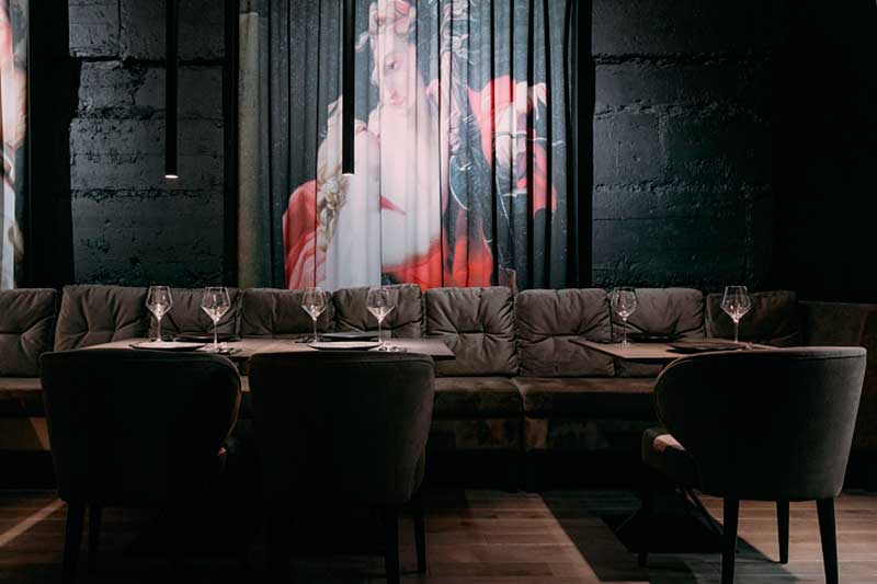 Decoración de restaurantes oscuros