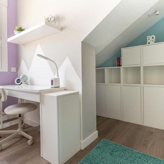 Dormitorio infantil abuhardillado