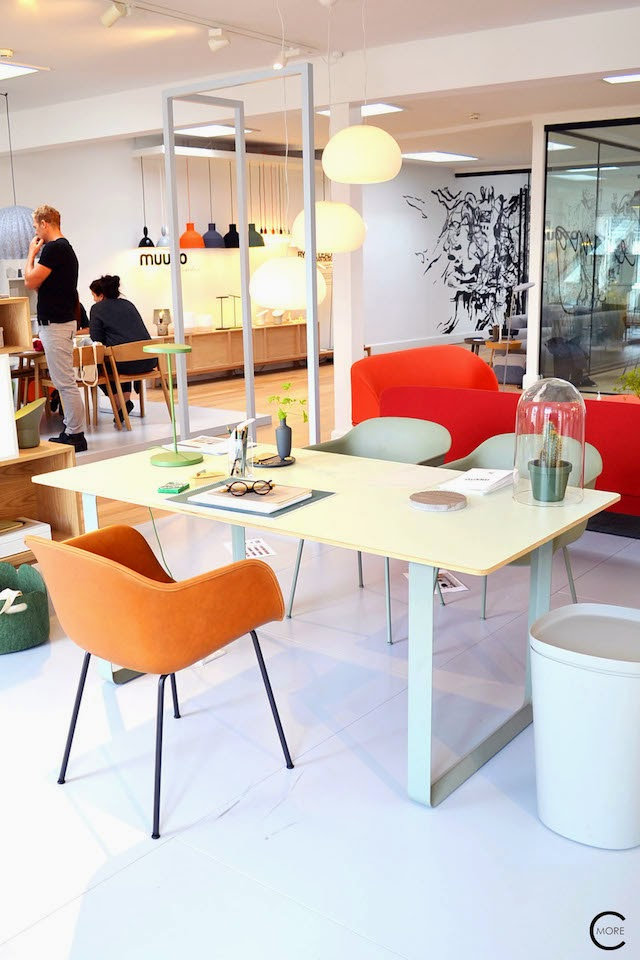 70/70 table | FIBER chair in leather | Muuto at C-More interieuradvies.blogspot.nl