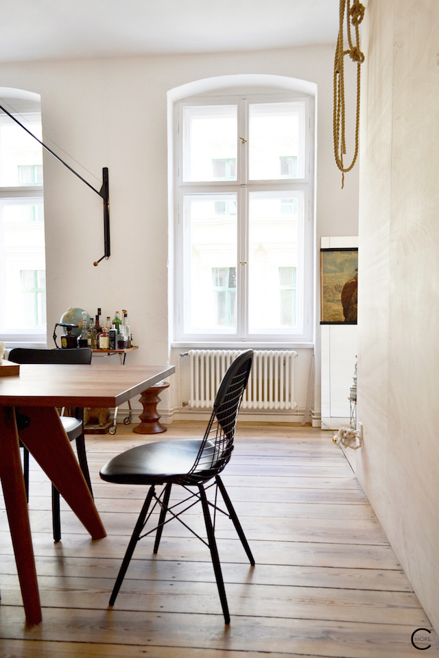A look inside the Freunde von Freunden apartment in Berlin AND an interview with Frederik Frede