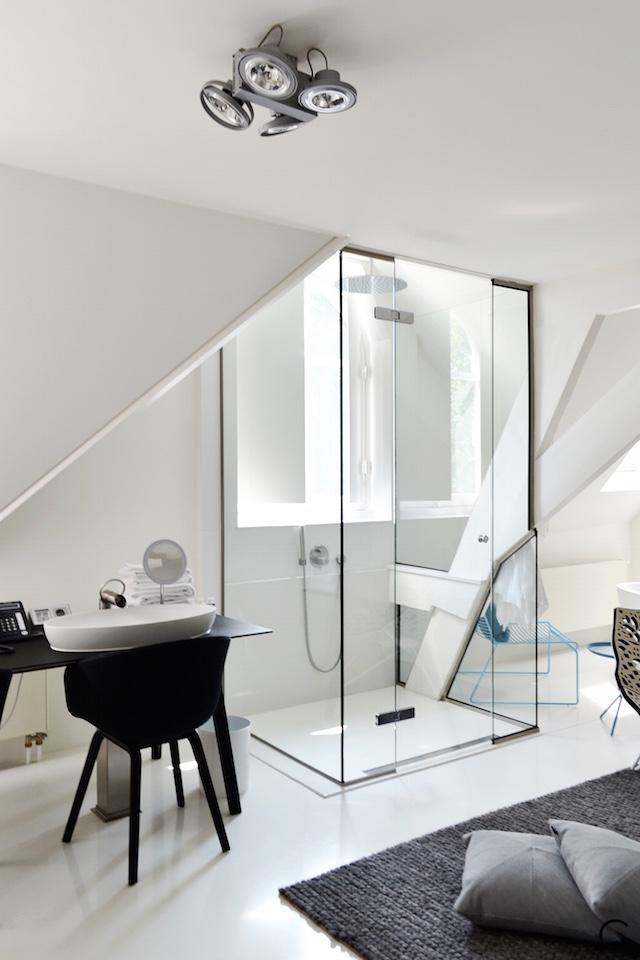 Jee-O bath shower wellness spa Design bathroom Manna awardwinning Design Hotel NL 35