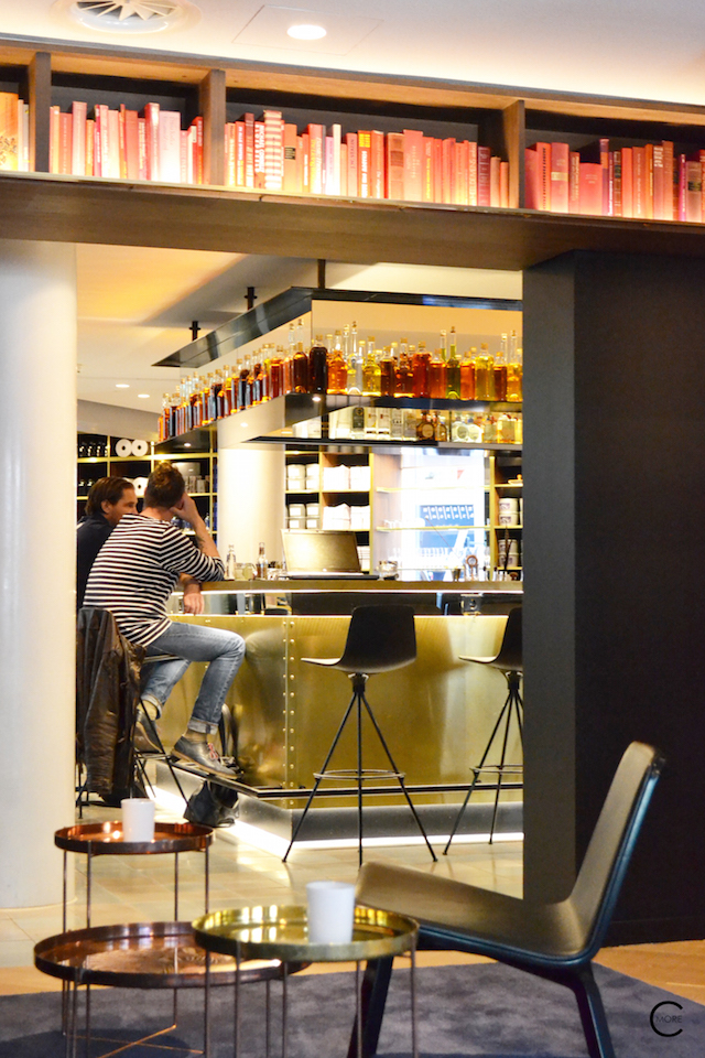 Loung bar and library the Pressroom | Ink Hotel Amsterdam | Tried + Tested | Design Hotel | Boutique Hotel | Picture © By C-More
