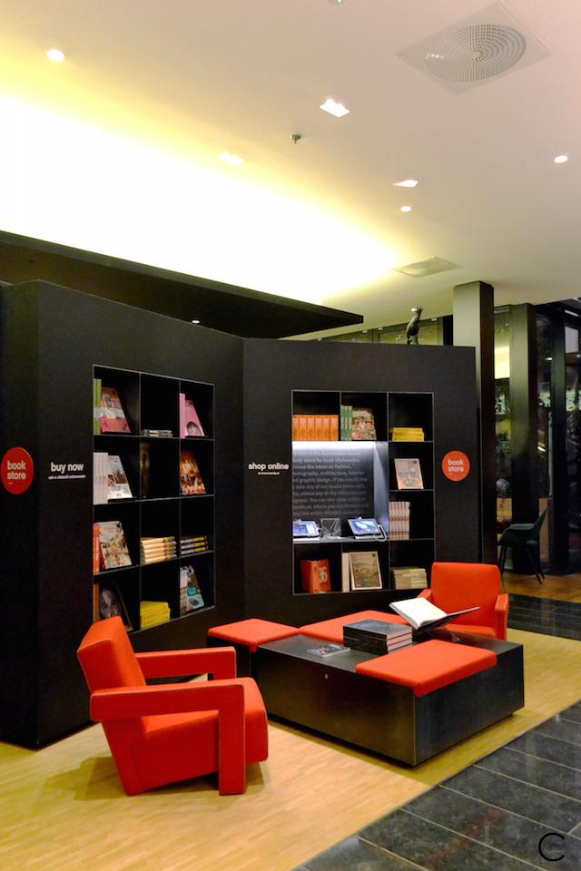 London CitizenM | Vitra | Mendo bookstore
