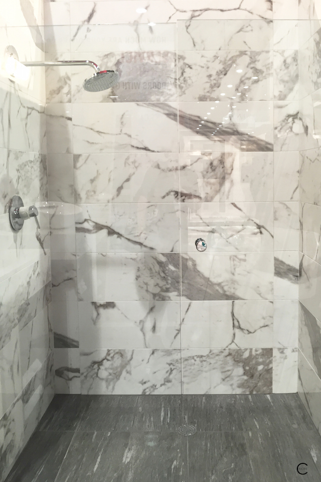 BlogtourKBIS 2016 | Las vegas | Kitchen and bathroom trends | Marble trend | Mohawk flooring tile shower | picture by C-More