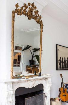 klassieke interieur ideeën - gouden spiegel