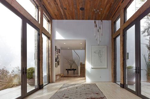 jenni-kayne-home-beverly-hills-interior-entryway