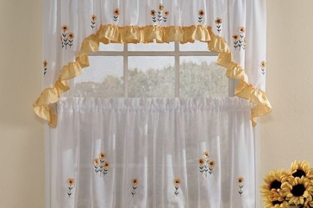 Things to consider before selecting kitchen curtain     Interior     Floral Kitchen Curtains