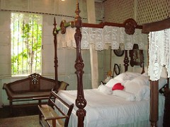 canopy_beds