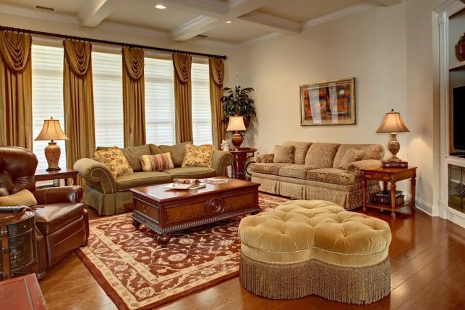 French-Country-Living-Room-Pieces