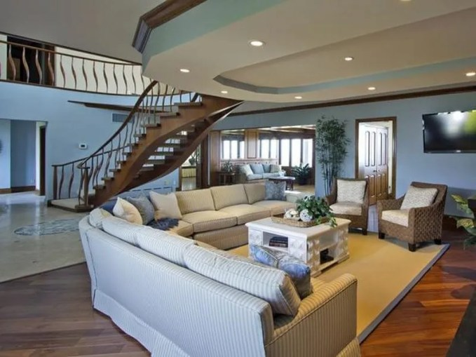 Original_Allison-Rejeanne-Interiors-coastal-living-room-wide-stairs_ HGTV