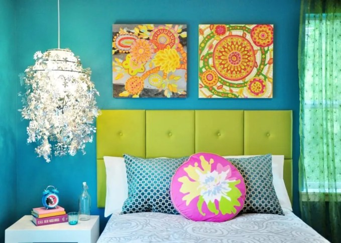 Stuning Colorful Bedroom
