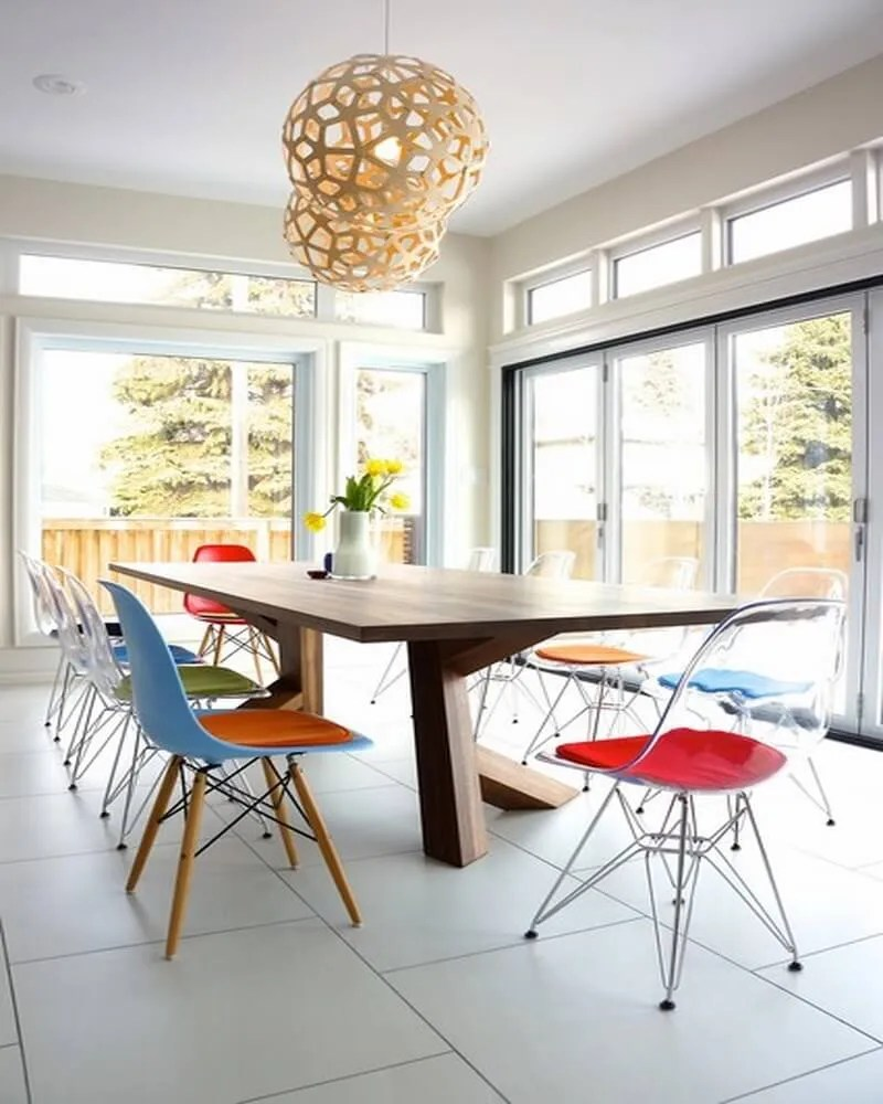 Eames eiffel chair dining room - Colorful And Transparent Eames Eiffel Chairs Midcentury Dining Room