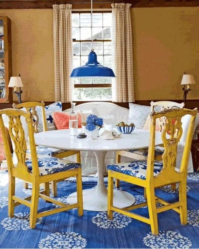 pretty-colorful-dining-room