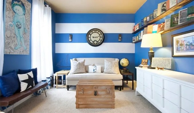 Modern-Blue-And-White-Striped-Walls