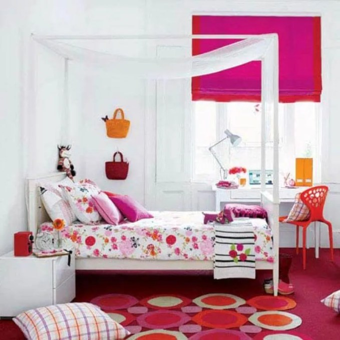 Charming Teenage girl bedroom idea