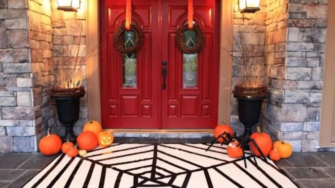 Classy Hallowen Porch Idea