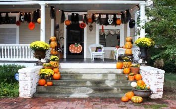 9 Halloween Pumpkin Decor for The Front Porch You'll Simply Adore