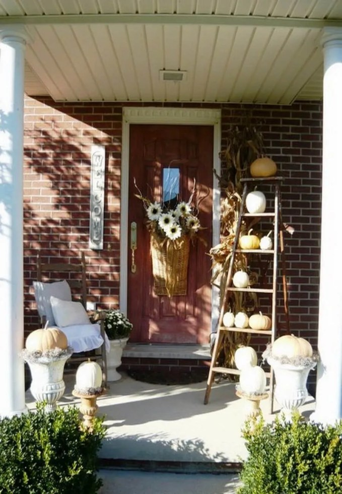 fall-front-porch-decorating-ideas-_04